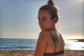 Elena krawzow is a blind german paralympic swimmer who specialises in breaststroke and freestyle. Elena Krawzow La Nadadora Paralimpica Que Protagoniza La Portada De Playboy