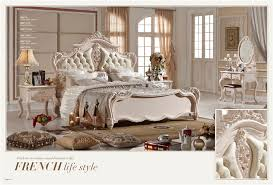 Classic European Antique Italian Bedroom Furniture Set in Beds from