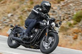 2018 triumph bonneville bobber black review 19 fast facts