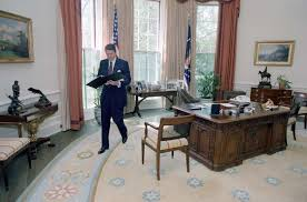 filethe reagan library oval office. Ronald Reagan Oval Office. Can You Spot The Huge Difference Filethe Library Office A