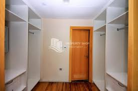 WalkIn Closet 1 Bedroom Apartment, With Good Investment Now For Sale