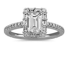 View the Best Collection of <b>Halo</b> Engagement Rings at Shane Co.