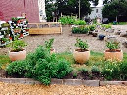 learning garden we are also actively engaged in working with the vcu and richmond communities to increase access to healthy food as well as education