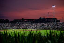 The chicago white sox defeated the new york yankees, 9 to 8, late thursday at an iowa cornfield that was transformed into a field of. Pfmdk64ctkwnlm