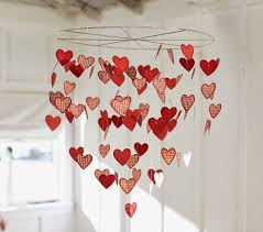 a lovely floating hearts chandelier for your bedroom use plastic cutoutarkers some wire and fishing line to string them