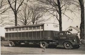 Pin By Bradford Electric S History On Vintage Cattle Trucks Farm Trucks Trucks Big Trucks