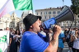 Niente Roma per cinque anni: Daspo al leader Forza Nuova Giuliano Castellino  - DIRE.it