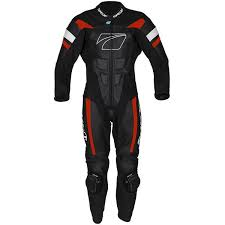 the est suit in this line up the spada curve evo offers a full leather construction alongside armour at the shoulders elbows and knees