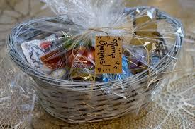 Gift Basket Wrapping Ideas Last Minute Gift Idea Custom Gourmet Baskets Ramshackle Glam
