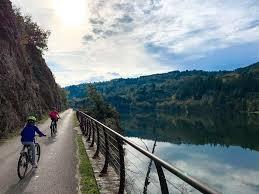family bike tour la dolce via in france