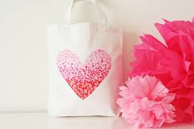 and there you have an easy valentines celebration bag