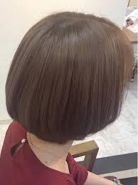 硬くて太い髪質の方もブリーチで土台作りをするととても柔らかな質感も