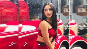 Kiara Advani Hot Photos Bikini Hot Bold Video Insta Post