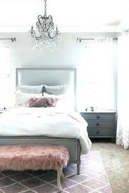 grey and white room – bootthebraids.com