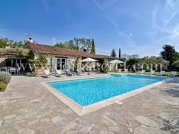 vacances dans le var avec piscine