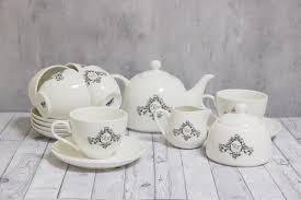<b>Набор</b> посуды из <b>6 чайных пар</b>, чайника, сахарницы и молочника ...