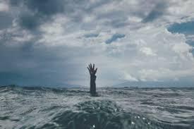 「溺れる イラストフリー」の画像検索結果