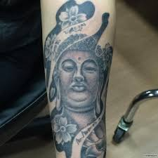 будда и цветы тату на предплечье у девушки добавлено иван вишневский