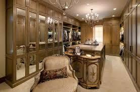 luxurious walk in closet.  Walk And Luxurious Walk In Closet A