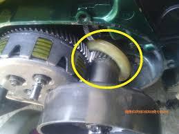 Tapi, kalau oli samping hanya melumasi bagian silinder dan kepala silinder saja. Ketika Pompa Oli Samping F1z Ngambek Didishevaharyadiblog