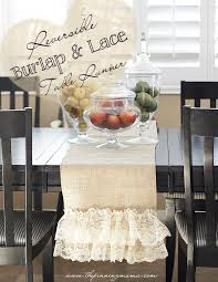 easy reversible burlap and lace table runner by thepinningmama com