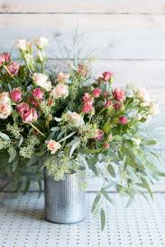 how to arrange flowers 6 diy fl arrangements