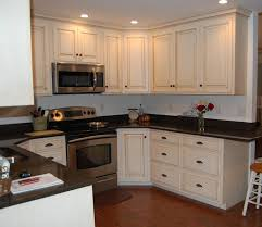 painting kitchen cabinets and glazing