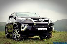 New 2016 Toyota Fortuner India Review, Price, Specs, Mileage ...