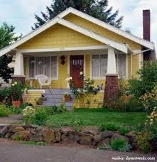 Selain karena terletak di depan rumah, teras juga menjadi tempat untuk menerima tamu. 6 Desain Rumah Sederhana Di Desa