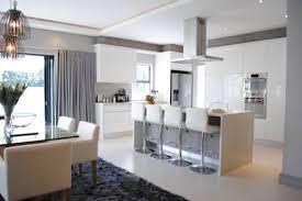 Kitchen: modern Kitchen by Salom Knijnenburg Interiors