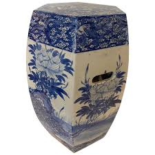 chinese porcelain blue and white garden