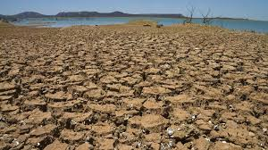 drought hydropower s achilles heel international rivers the sobradinho reservoir in during the worst drought in its history