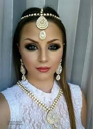 motives indian beauty white