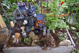 Halloween Fairy Garden and a Pumpkin Rug