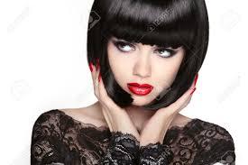 凝視しますファッションのモデルの女の子の顔女性の美しさメイク黒