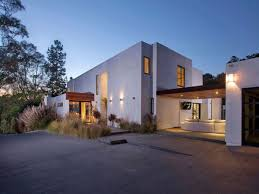 4 Bedroom Contemporary Residence In Beverly Hills