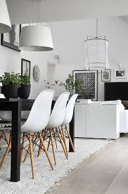 Black home decor Edgy 15 Modern Black White Home Decor Ideas To Copy Mix In Green Plants For Pop Of Color Pinterest 15 Modern Ways To Slay The Black And White Décor Trend Home Décor