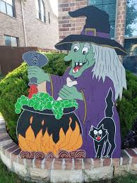witch with black cat yard
