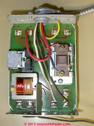hvac thermostat power & voltage how a thermostat used for heating 24 Volt Thermostat Wiring lv relay used to operate a boiler primary control relay (c) daniel friedman 24 volt thermostat wiring diagram