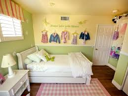 Small Space Living: 25 Design Tricks To Enhance Small Homes. Girl Room ...