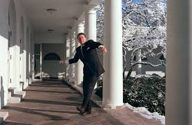 reagan oval office. President Ronald Reagan Throws A Snowball Outside The Oval Office In February Of 1986.