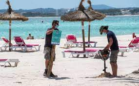 foreign tourist arrivals in spain hit