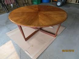 description solid teak table