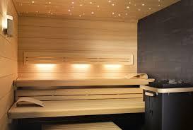 LOUNGE Q sauna; LOUNGE Q with SANARIUM and SaunaPUR, interior cladding  with horizontal hemlock panelling