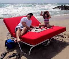 made with the same high quality and durability you have come to depend on from mi lor casual the beach bed brings a unique comfort to any outdoor