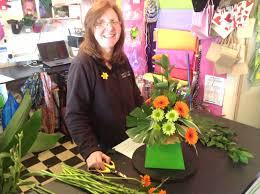 Watch me prepare a corportae flower arrangement http://youtu.be/4wSQfMYFJ
