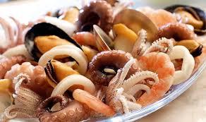 кальмары мидии креветки
