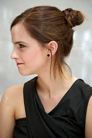Emma Watson Hair Style Emma Watsons Best Hairstyles Emma Watson Haircuts And Hair Color 2112 by wearticles.com