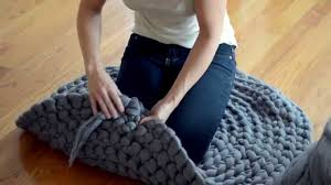 How To Knit A Rug How To Crochet A Giant Circular Rug No Sew Youtube
