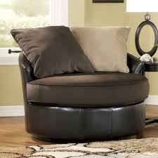 Swivel Club Chairs For Living Room Leather Swivel Club Chair Interior Design Quality Chairs